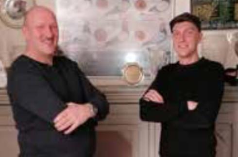 Combinatie John en Mitchell Rekers, duifkampioenen Vitesse en Jong Afd 7